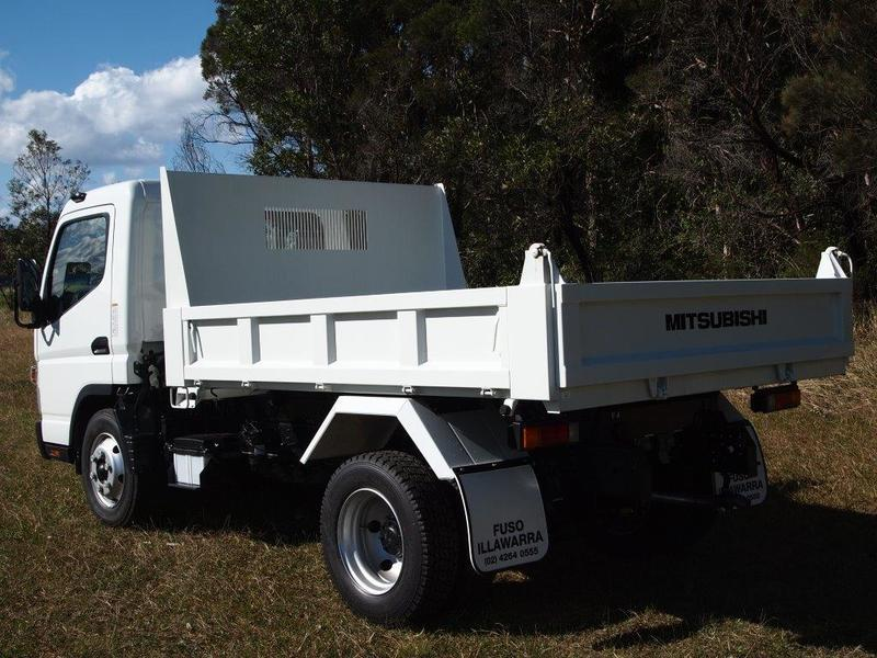 55a8271165 ... 2018 Fuso Canter 715 Factory Tipper Tipper (White) New Vehicle Large  Picture ...